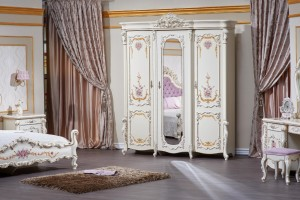 Шкаф 3 дверный Венеция классик